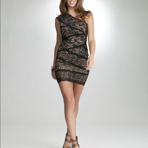 BEBE ONE SHOULDER MIXED LACE DRESS SIZE SMALL